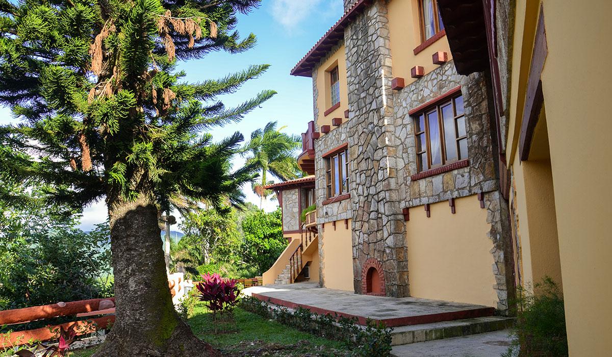 Hotel Castillo en las Nubes - jardines